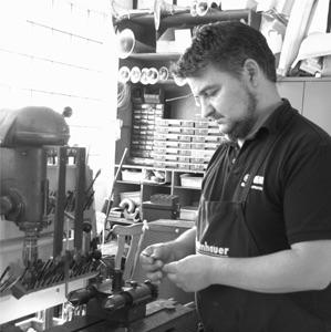 Holzblasinstrumentenmacher Meister Tino Schau